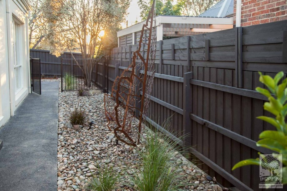 Melbourne garden makeover of Doncaster using simple planting and rock mulch
