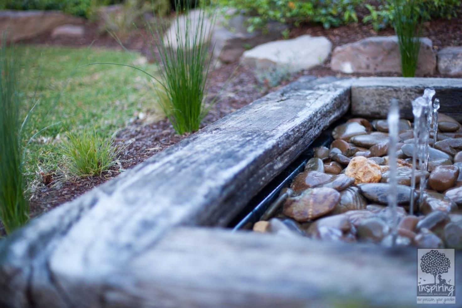 Close up of water feature in landscape design in Glen Waverley in Houzz