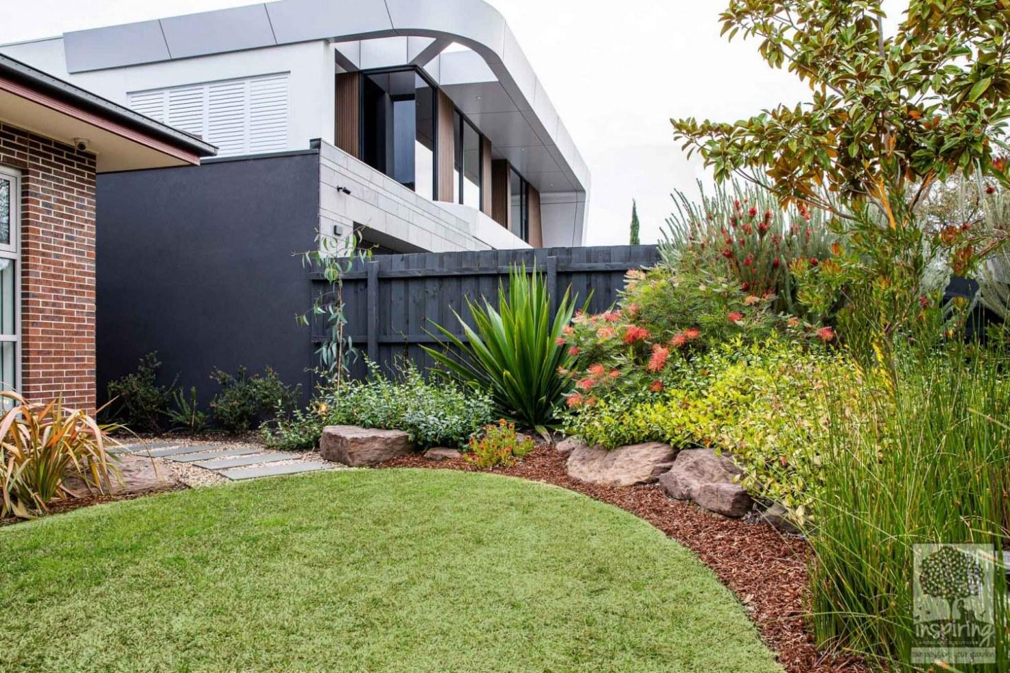 Corner view of Glen Waverley front garden design as shown in Houzz