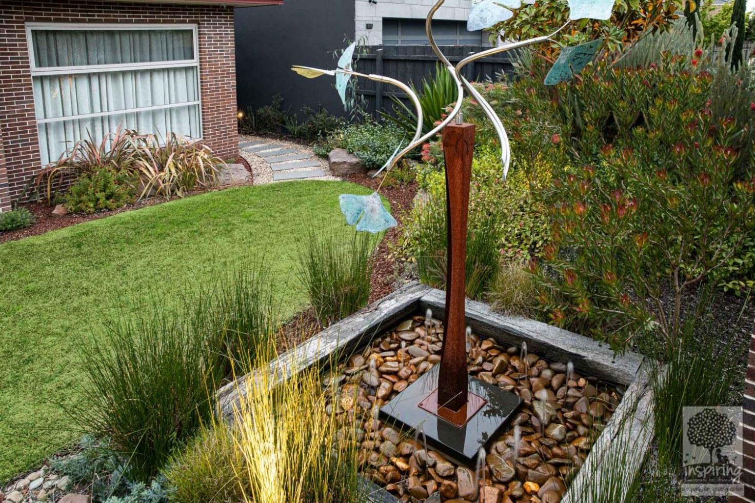 Kinetic sculpture in landscape design in Glen Waverley in Houzz