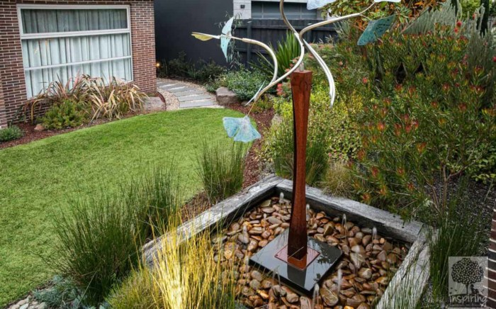 Kinetic sculpture in landscape design in Glen Waverley in Houzz
