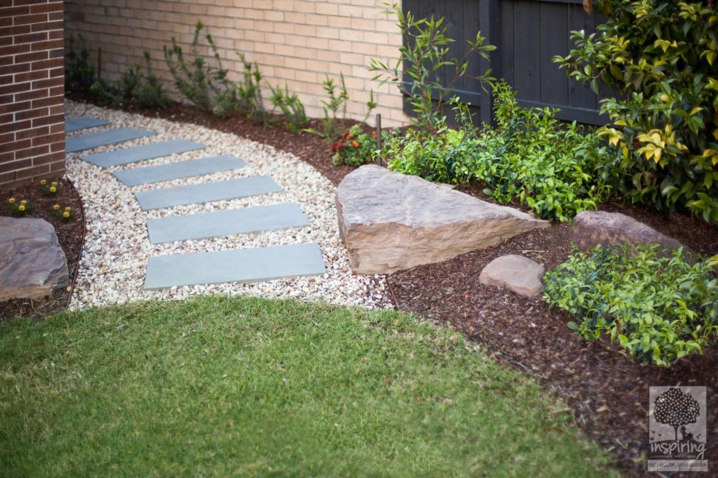 Curved side bluestone path in Glen Waverley front garden design